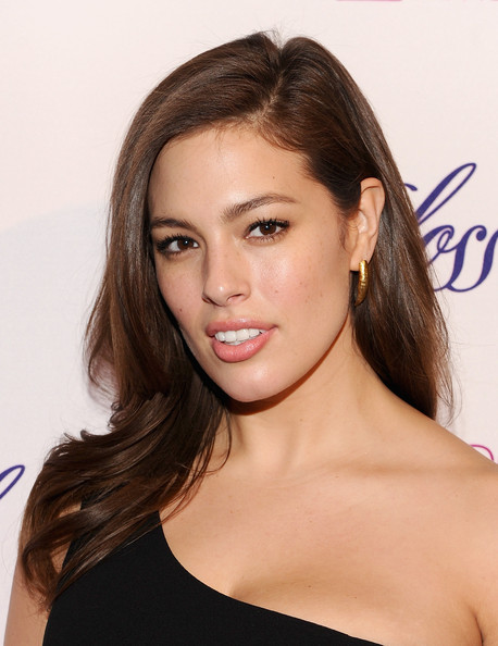 Plus-Size Model Ashley Graham Goes Nude